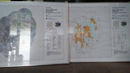 Penyerahan Peta Citra dan Peta Sarana Prasarana Hasil Delineasi Peta Desa